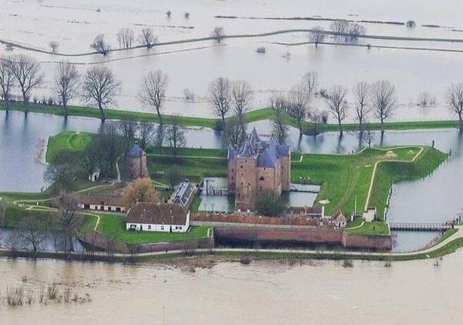 Hoogwater in Rijn en Maas