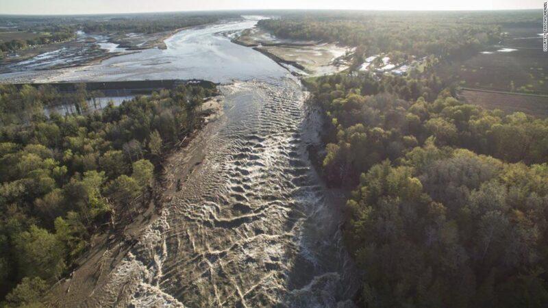Stuwdam doorgebroken Michigan