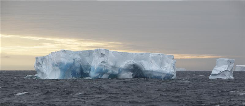 Tropical climate in the Antarctic_02