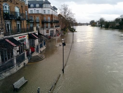 staines-flooding
