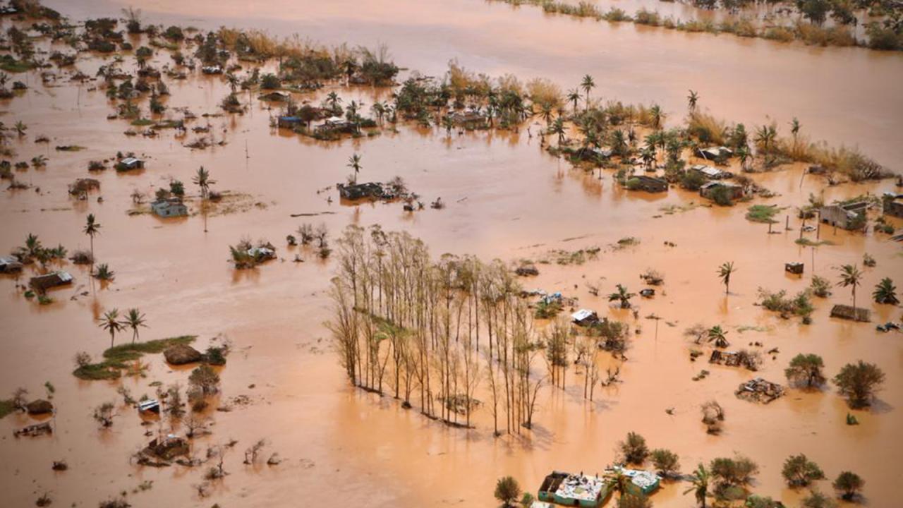 Cycloon Idai laat ravage achter